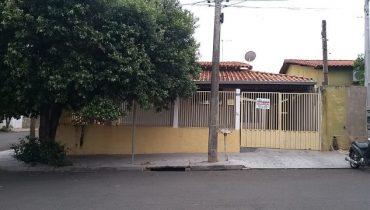 Rua 21 n° 831 – Centro